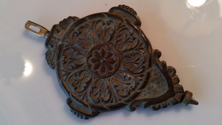 Gingerbread mantel clock pendulum